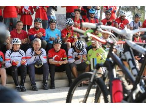 Zafer Bayramı'nda 50 kilometre pedal çevirdiler