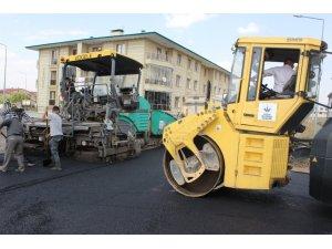 Aziziye'de asfalt seferberliği