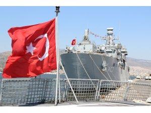 Savaş gemileri halkın ziyaretine açıldı