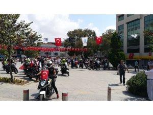 Motosiklet tutkunları motosikletlerini Zafer Bayramı için sürdü