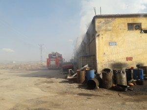 Kahramanmaraş'ta pamuk deposunda yangın