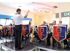 Van AVM'de askeri bando konseri
