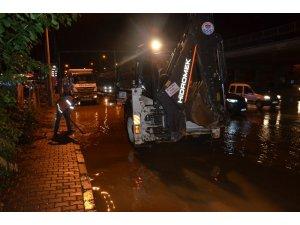 Trabzon'da sağanak yağış hava ulaşımı olumsuz etkiledi
