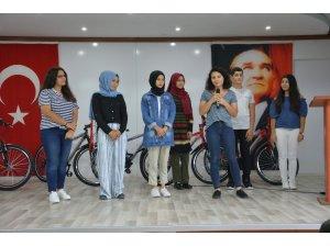 Honaz'da dereceye giren öğrenciler ödüllendirildi