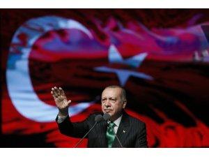 """Cumhurbaşkanı Erdoğan: """"Hepsi manipülasyondur. Bizde kriz falan yok"""""""