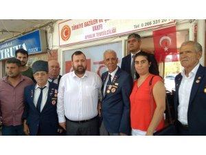 AK Parti'den gazilere nazik ziyaret