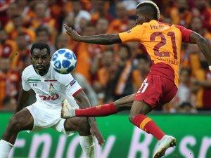 'İstanbul'da 'Lokomotiv' kazası'