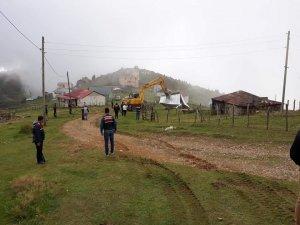 Yaylalardaki yıkımlar en fazla izinsiz yapılaşmanın olduğu Sis Dağı Yaylası'nda devam ediyor