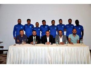 Kütahyaspor, kadrosuna 8 yeni futbolcu daha kattı