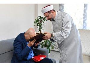 Diyanet İşleri Başkanı Erbaş, 15 Temmuz gazisi TEM eski Daire Başkanı Aslan'ı ziyaret etti
