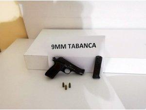 Pendik'te 4 ay önce işlenen cinayetin katil zanlısı uzun namlulu silahla yakalandı