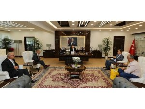Beyşehirliler Başkan Yaşar'ı ziyaret etti