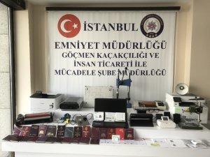 İstanbul'da sahte pasaport şebekesi çökertildi