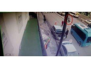 Ters yöne giren minibüsün çarptığı Beyza'nın hayatını kaybettiği kaza kamerada