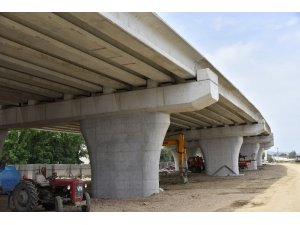 Salihli'de köprülü kavşağın altı otopark olarak kullanılacak