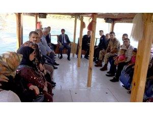 Şehit aileleri ve gazilere Fırat Nehrinde tekne turu