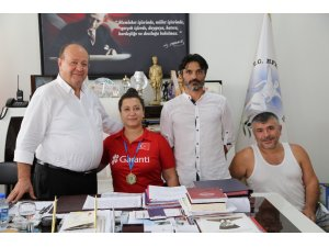 Avrupa Şampiyonu Ercan'dan Başkan Özakcan'a ziyaret