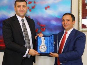 MHP Kayseri Milletvekili Ersoy, ERÜ Rektörü Çalış'ı Ziyaret Etti
