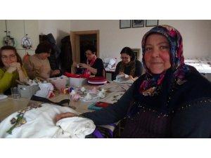 Edirne Halk Eğitim Merkezi'ndeki kurslara kadınlardan yoğun ilgi