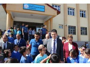 Varto Kaymakamı Erkan Kaçmaz'dan okul ziyareti