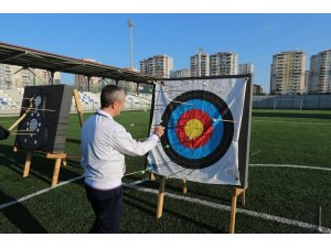 """Belediye Başkanı Tahmazoğlu, """"Ya Hak"""" dedi hedefi on ikiden vurdu"""