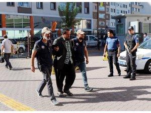 Kayseri'de yakalanan DEAŞ'ın sözde Sincar askeri emiri ve oğlu tutuklandı
