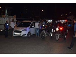 Polis rögar kapağı hırsızlarını kıskıvrak yakaladı