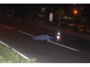 İzmir'de otomobil yayaya çarptı: 1 ölü