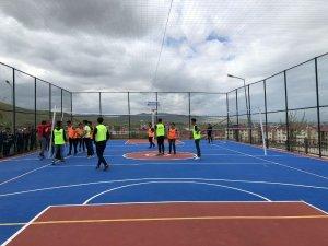 Açık spor sahalar çocuk ve gençleri hizmetinde