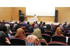 DPÜ İslami İlimler Fakültesi'nde oryantasyon eğitimi