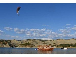 Terörden temizlenen Tunceli'de yamaç paraşütü heyecanı