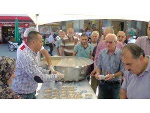Akçakoca'da binlerce kişiye aşure ikramı