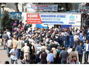 Sultangazi'de 10 bin kişiye aşure ikram edildi