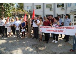 KKTC'de 'kazıklı' protesto