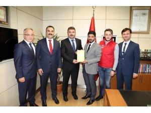 Rize Gençlik Merkezi en çok atık pili toplayarak Türkiye 1.'si oldu