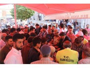 Muharrem ayı dolayısıyla 5 bin kişiye aşure dağıtıldı