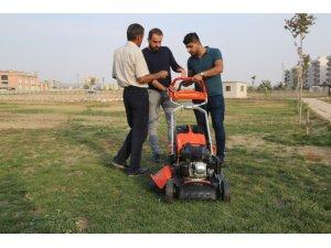 Silopi Belediyesi 4 adet çim biçme makinesi aldı