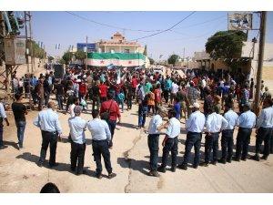 Fırat Kalkanı bölgesinde Esad'a karşı gösteriler yapıldı