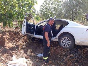 Lüks otomobil su kanalına uçtu: 1 yaralı