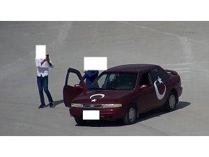 Türkiye'de 'kiki challenge' yapan sürücüye ceza