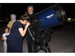 Elazığ'da vatandaşlar gökyüzünü gözlemledi