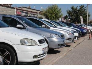 Ekonomideki dalgalanmalar araç piyasasında model yılını düşürdü