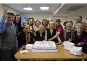 Tepebaşı'nda alzheimer hastaları unutulmadı