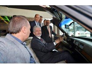 Büyükşehir Belediye Başkanı Doç. Dr. Mustafa Tuna, Otonomi'yi ziyaret ederek, galeri esnafıyla istişarelerde bulundu
