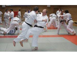 Putin, Azerbaycan'da Judo oyunlarını izleyecek