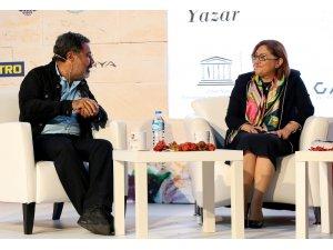 Başkan Şahin, düzenlenen panelde Gastroantep'i anlattı