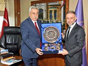 Başkan Ertürk'ten Palandöken'e ziyaret
