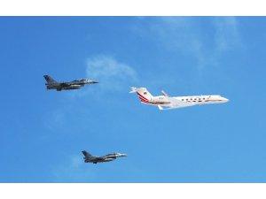 Cumhurbaşkanı Erdoğan TEKNOFEST'e F 16'lar eşliğinde geldi