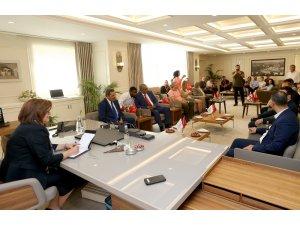 Başkan Şahin, kardeş şehir temsilcileriyle buluştu