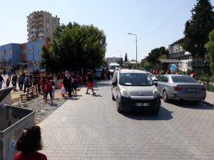 Velilerin yola açılan kapı isyanı
